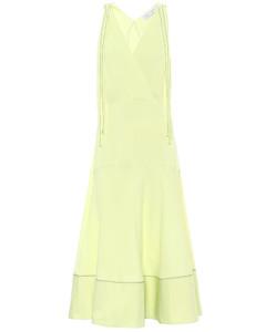 高科技针织连衣裙
