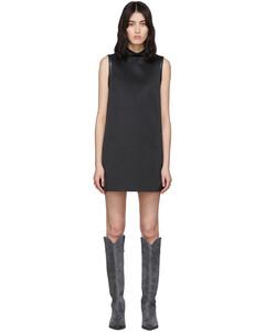 黑色短款拉链连衣裙
