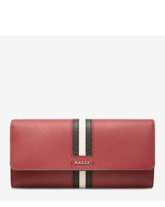 Women's calf leather continental wallet in garnet