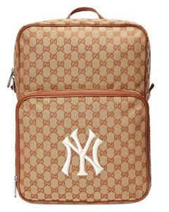 NY Yankees™贴花中号背包