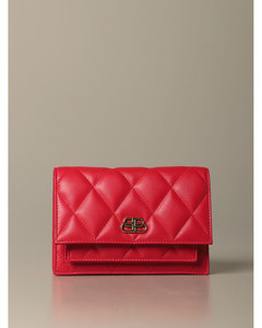 B Quilted bag in quilted nappa