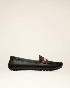 Women's grained leather driver shoe in black