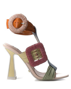 Leya flat sandals