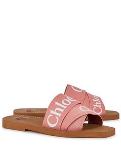 Woody pink logo-print sliders